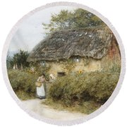 A Thatched Cottage Near Peaslake Surrey Round Beach Towel