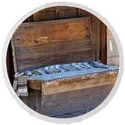 A Weathered Bench Round Beach Towel