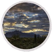 A Winter Sunrise In The Desert  Round Beach Towel