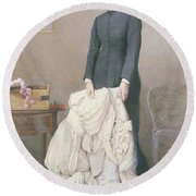 A Young Widow Round Beach Towel