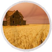 Abandoned Farm House, Wind-blown Durum Round Beach Towel