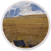 Abandoned Farmhouse Outside Of Waterton Round Beach Towel