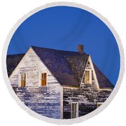 Abandoned House And Moon At Dusk Round Beach Towel