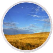 Abandoned House On The Prairies Round Beach Towel