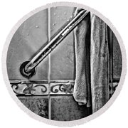 After The Shower - Bw Round Beach Towel