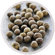 Allspice Berries Round Beach Towel
