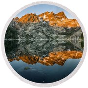 Alpenglow At Upper Sardine Lake Round Beach Towel