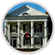American Colonial Architecture Christmas  Round Beach Towel