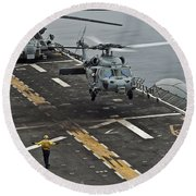 An Mh-60s Sea Hawk Lands Aboard Round Beach Towel