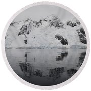 Antarctic Mountains Reflected Round Beach Towel