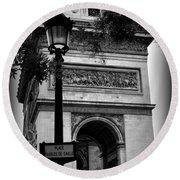 Arc De Triomphe - Black And White Round Beach Towel