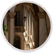 Arches And Columns At The Biltmore Hotel Round Beach Towel