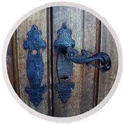 Argentinian Door Decor 1 Round Beach Towel