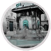 Arles Fountain With A Spot Of Color Round Beach Towel