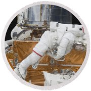 Astronaut Working On The Hubble Space Round Beach Towel