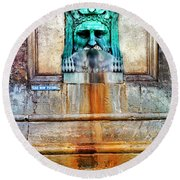 Au Non Potable A Fountain In Arles Round Beach Towel