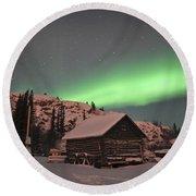 Aurora Borealis Over A Cabin, Northwest Round Beach Towel
