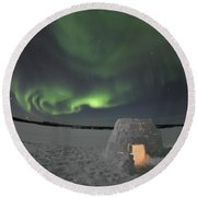 Aurora Borealis Over An Igloo On Walsh Round Beach Towel