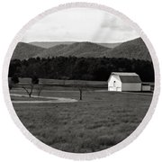 Autumn Barn In Green Bank Wv Bw Round Beach Towel