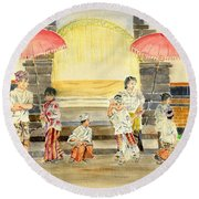 Balinese Children In Traditional Clothing Round Beach Towel
