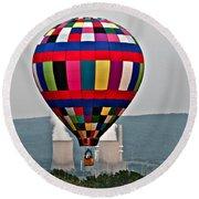 Ballooning Between The Stacks Round Beach Towel