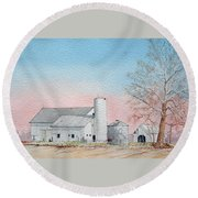 Barn And Sycamore Round Beach Towel