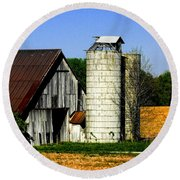 Barn Out Back Round Beach Towel