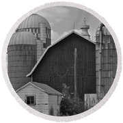 Barns And Silos Black And White Round Beach Towel