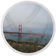 Be In A Mist - Golden Gate Bridge Round Beach Towel