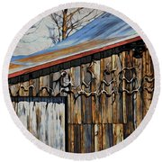 Beautiful Old Barn With Horns Round Beach Towel