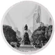 Benjamin Franklin Parkway In Black And White Round Beach Towel by Bill Cannon