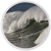 Big Wave II Round Beach Towel