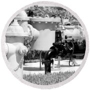 Black And White Mechanics Round Beach Towel