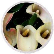 Blushing Calla Lilies Round Beach Towel