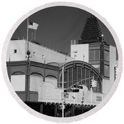 Bmt End Of The Line In Black And White Round Beach Towel