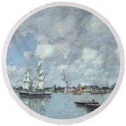 Boats On The Garonne Round Beach Towel