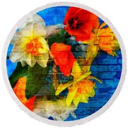 Botanical Graffiti  Round Beach Towel