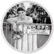 Bride On The Barricade On Bourbon St Nola Round Beach Towel