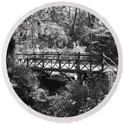 Bridge Of Centralpark In Black And White Round Beach Towel