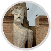 Buddha At Sukhothai Round Beach Towel