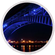 Buffalo Under The Bridge Round Beach Towel