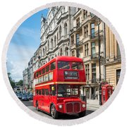 Bus On Piccadilly Round Beach Towel