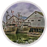 Cannery Hdr Round Beach Towel