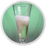 Carbonated Drink Round Beach Towel by Photo Researchers, Inc.