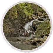 Cascades Happy Trail 9128 Round Beach Towel