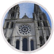 Cathedral At Chartres Round Beach Towel