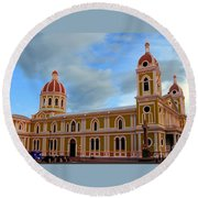 Cathedral On The Square Round Beach Towel