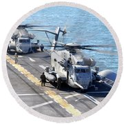 Ch-53e Super Stallion Helicopters Round Beach Towel