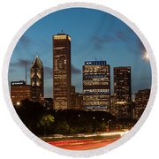 Chicago Business District At Dusk Round Beach Towel