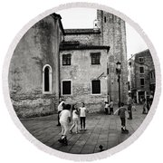 Children At Play In A Venice Piazza Round Beach Towel